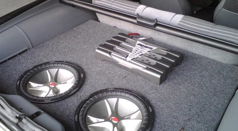 Best-Kicker-Amplifiers-for-Car