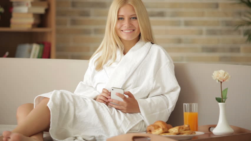 Top-10-Best-Bathrobes-for-Women-by-Price-Review-and-Rating
